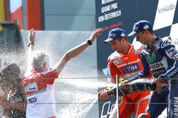 Winnaar Andrea Iannone, Ducati Team, 3e plaats Jorge Lorenzo, Yamaha Factory Racing, Gigi Dall'Igna, Ducati Corse General Manager