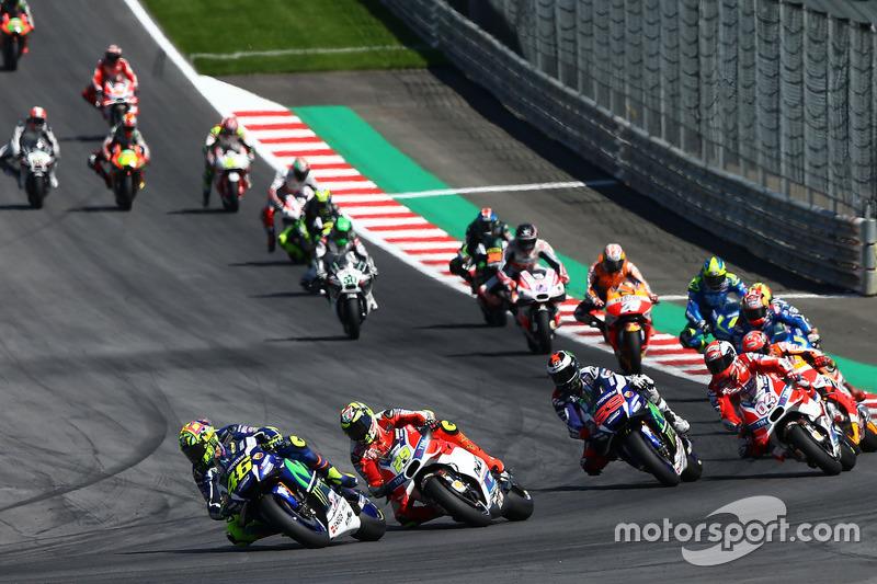 Valentino Rossi, Yamaha Factory Racing, Andrea Iannone, Ducati Team