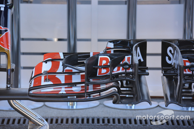 Voorvleugel Toro Rosso STR11
