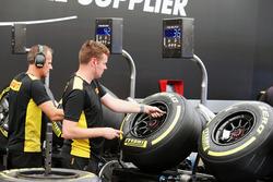 Pirelli tyre technicians