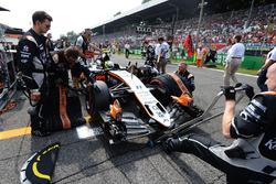 Sergio Pérez, Sahara Force India F1 VJM09 en la parrilla