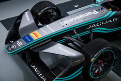 2017 Jaguar I-type nose detail