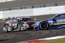 Crash, Timo Scheider, Audi Sport Team Phoenix, Audi RS 5 DTM and Gary Paffett, Mercedes-AMG Team ART, Mercedes-AMG C63 DTM