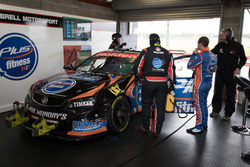 Andre Heimgartner und Aaren Russell, Lucas Dumbrell Motorsport, Holden