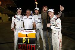 Race winners #1 Porsche Team Porsche 919 Hybrid: Timo Bernhard, Mark Webber, Brendon Hartley, Fritz Enzinger, Vice President LMP1, Porsche Team, Magnus Walker