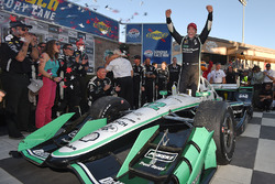 Race winner and 2016 champion Simon Pagenaud, Team Penske Chevrolet
