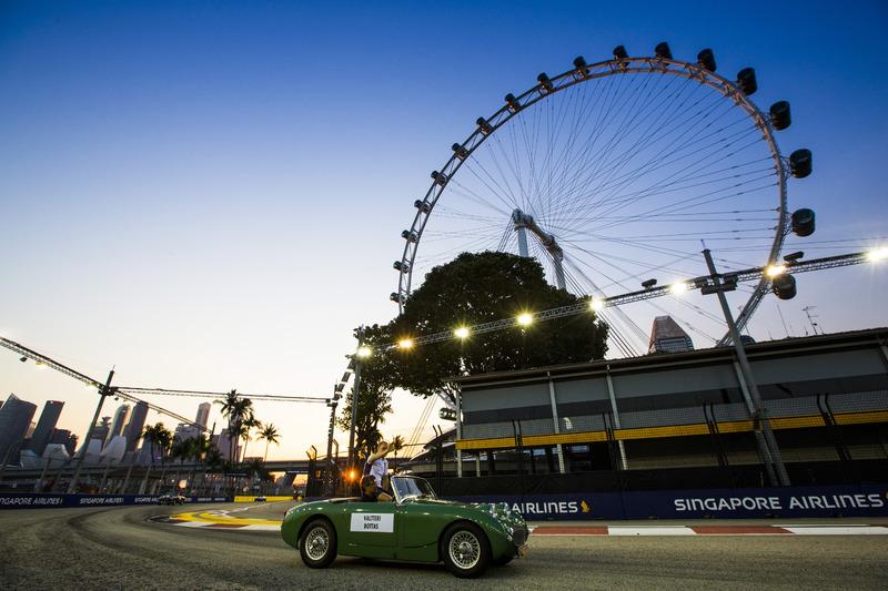 Valtteri Bottas, Williams Martini Racing, en el desfile de pilotos