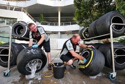 Sahara Force India F1 Team mechanics wash Pirelli tyres
