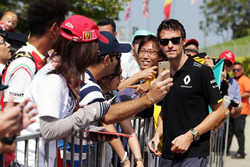 Jolyon Palmer, Renault Sport F1 Team with fans