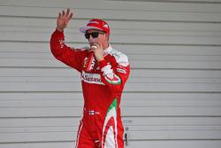 Kimi Raikkonen, Ferrari festeggia il suo terzo posto nel parco chiuso delle qualifiche