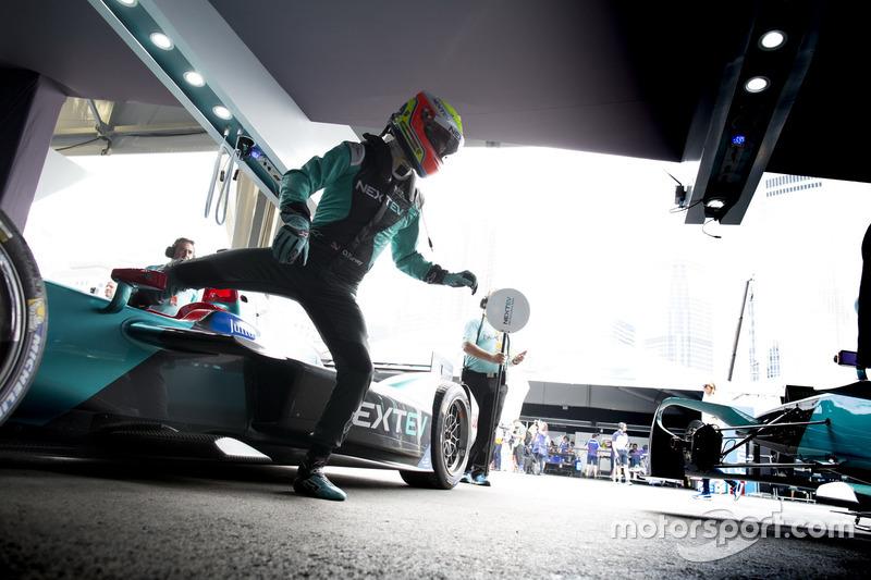 6. Pit stop de Oliver Turvey, NEXTEV TCR Formula E Team