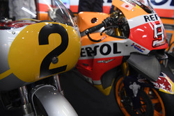 La Honda RC181 y Honda RC213V