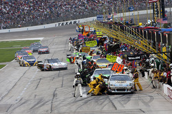 Pit stop for David Ragan, Roush Fenway Racing Ford and the rest of the field