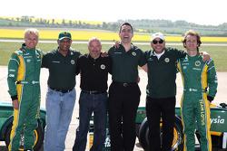 Heikki Kovalainen, Team Lotus, Tony Fernandes, Team Lotus, Team Principal, Mike Gascoyne, Team Lotus, Chief Technical Officer, Ansar Ali, Caterham Cars, Jarno Trulli, Team Lotus