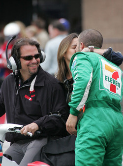 Post-race kiss for Tony Kanaan