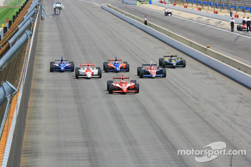 Les six anciens vainqueurs des Indy 500 qui participeront à la 90e édition: Helio Castroneves, Eddie Cheever, Buddy Lazier, Buddy Rice, Al Unser Jr. et Dan Wheldon