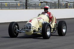 Vintage racers: 1946 Hahn Offy