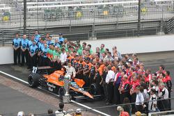 Dario Franchitti and Team Andretti Green pose for photographers