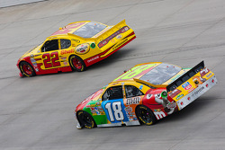 Kurt Busch, Penske Racing Dodge and Kyle Busch, Joe Gibbs Racing Toyota