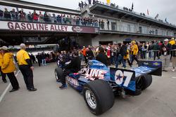 KV Racing Technology - SH Racing of Tomas Scheckter heads to pitlane