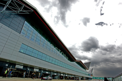 Silverstone Wing Pit Complex