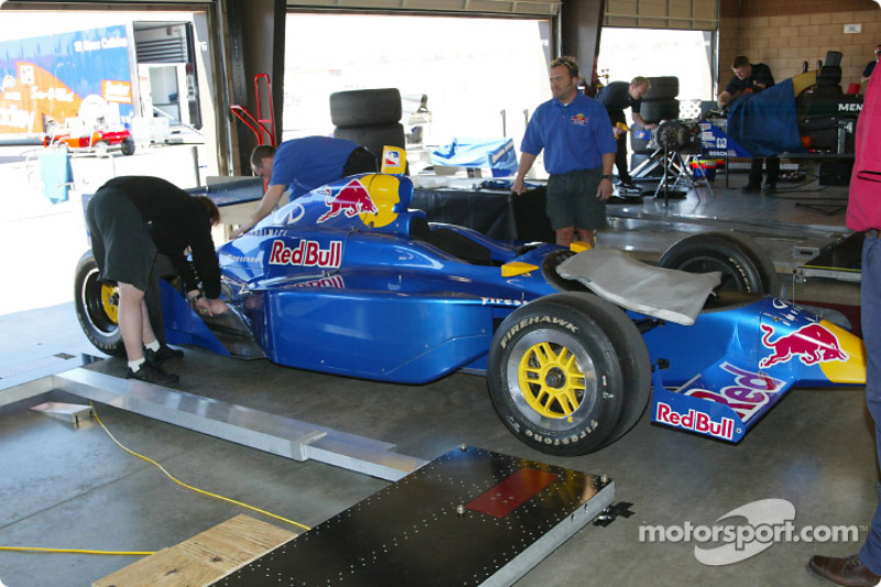 Garage du Red Bull Cheever Racing
