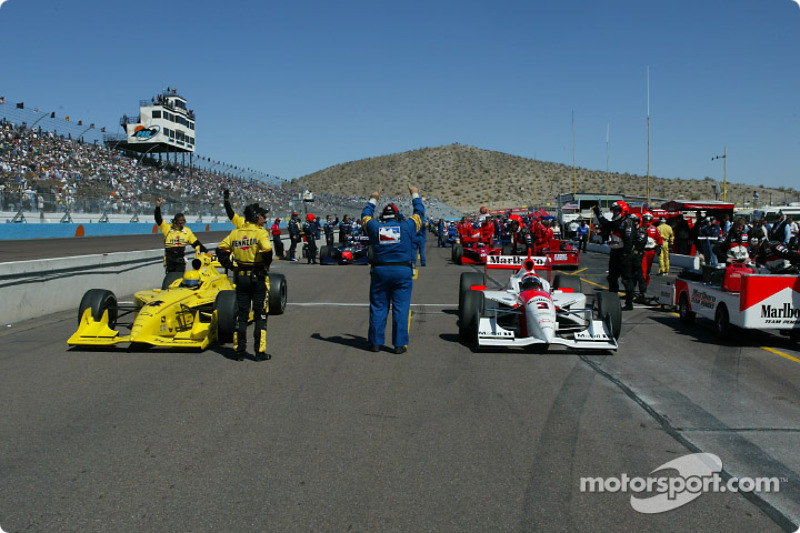 Helio Castroneves and Sam Hornish Jr. on the front row