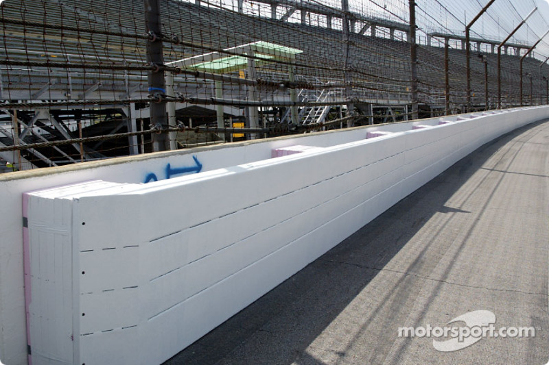 SAFER (Steel And Foam Energy Reduction) wall presentation: the new SAFER system in Turn 1