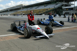 Al Unser Jr. and Scott Goodyear who were involved in the closest finish ever at the Indy 500 in 2000
