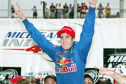 Tomas Scheckter celebrating