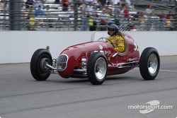 Vintage racers: 1948 Don Lee Special #35