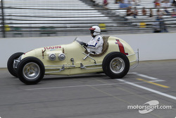 Vintage racers: 1946 Hahn Offy #1