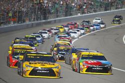 Start: Matt Kenseth, Joe Gibbs Racing, Toyota, führt