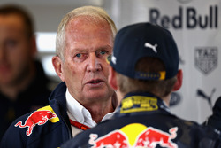Max Verstappen, Red Bull Racing talks with Dr. Helmut Marko, Red Bull Racing Team Consultant