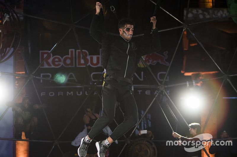 Ріккардо, Red Bull Racing, з черепом Офрендомо