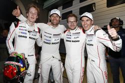 #1 Porsche Team, Porsche 919 Hybrid: Timo Bernhard, Mark Webber, Brendon Hartley, mit Teamchef Andreas Seidl