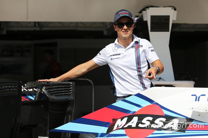 Felipe Massa präsentiert das Sonderdesign