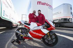 Max Biaggi, Teamchef von Mahindra Racing, mit Mahindra-Chef Mufaddal Choonia