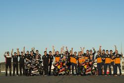 Johann Zarco, Ajo Motorsport, Kalex; Brad Binder, Red Bull KTM Ajo, KTM; Bo Bendsneyder, Red Bull KTM Ajo, KTM met het team