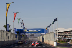 Start action, Felix Rosenqvist, Mahindra Racing leads