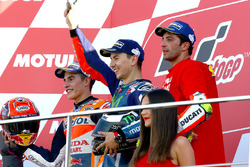 Podium: winnaar Jorge Lorenzo, Yamaha Factory Racing, tweede Marc Marquez, Repsol Honda Team, derde Andrea Iannone, Ducati Team
