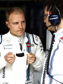 Valtteri Bottas, Williams, with Jonathan Eddolls, Race Engineer