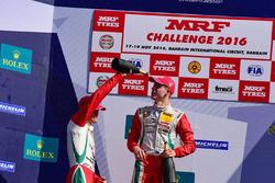 Podium: race winner Mick Schumacher, second place Jüri Vips