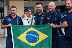 Felipe Massa, Williams at a team photograph