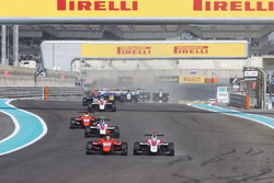 Alexander Albon, ART Grand Prix & Jack Aitken, Arden International battle for the lead on lap one