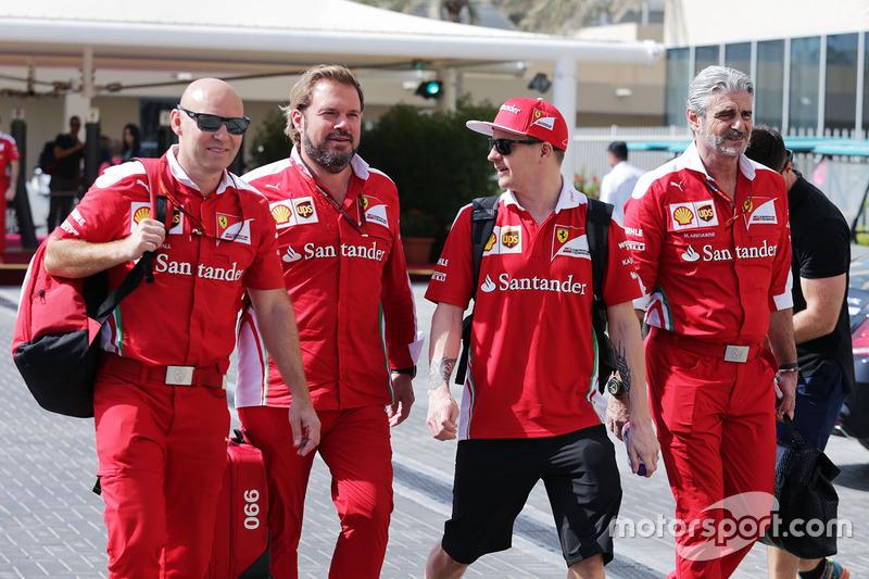 Марк Арналл, персональний тренер та Джіно Росато, Ferrari; Кімі Райкконен, Ferrari; Мауріціо Аррівабене, керівник Ferrari