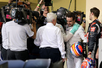 Second place and new world champion Nico Rosberg, Mercedes AMG F1 and Fernando Alonso, McLaren F1