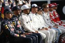The end of season group drivers group photograph