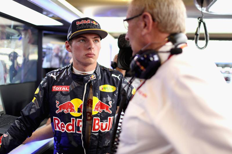 Max Verstappen, Red Bull Racing mit Dr. Helmut Marko, Red Bull Motorsportchef