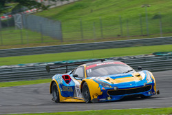 #11 Singha Motorsport Team, Ferrari 488 GT3, Piti Bhirom Bhakdi, Carlo van Dam, Frank Yu, Tanart Sathienthirakul
